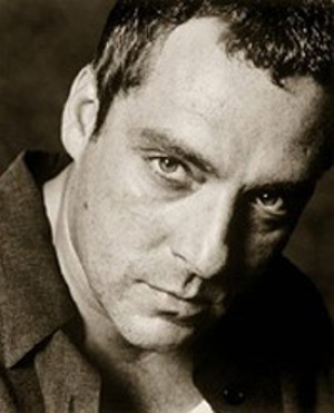 tom sizemore headshot