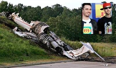 travis barker dj am survive plane crash