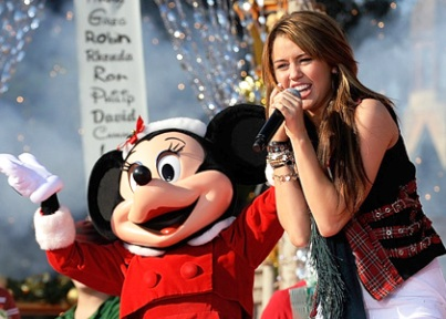 miley cyrus disney christmas parade