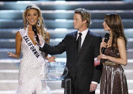 carrie prejean miss california drops lawsuit