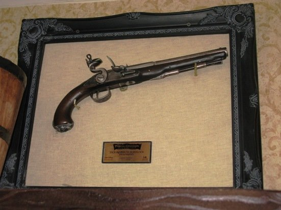 disneyland hotel pirates of the caribbean suite replica gun
