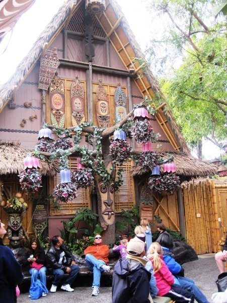 enchanted tiki room disneyland park