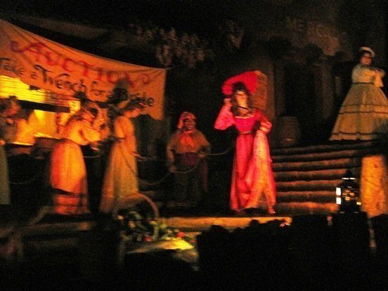 pirates of the caribbean disneyland park wenches