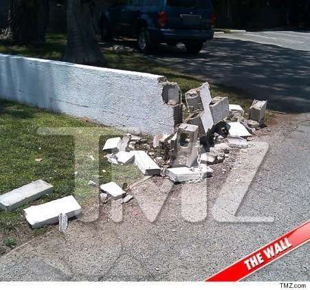 tori spelling car crash wall damage