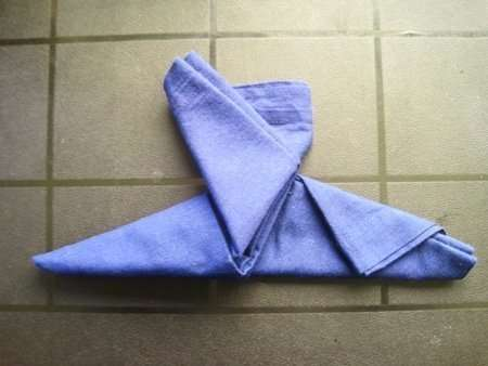 holiday napkin folding elf boot 7