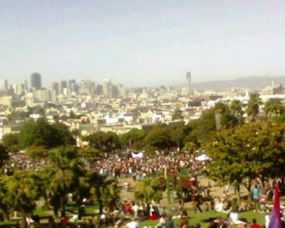 sf dyke march 2007 from the hill
