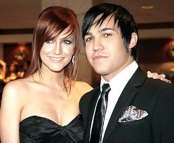 ashlee simpson pete wentz confirm pregnancy
