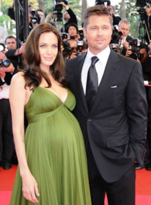 angelina jolie pregnant with twins