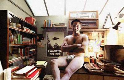 david duchovny nude in his office