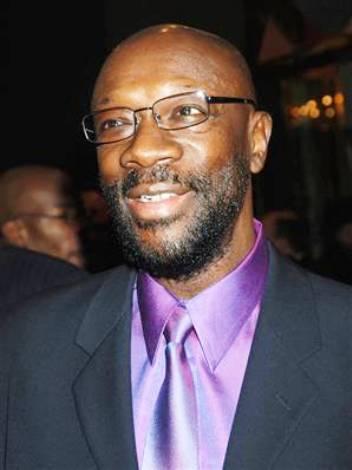 isaac hayes dies age 65