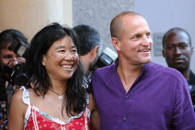 woody harrelson laura louie married