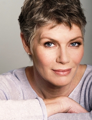 kelly mcgillis comes out as lesbian