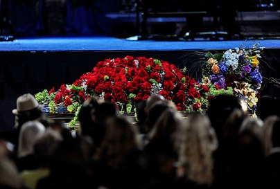 michael jackson casket photo covered in roses