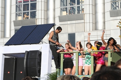solar panel dancing lovevolution 2009