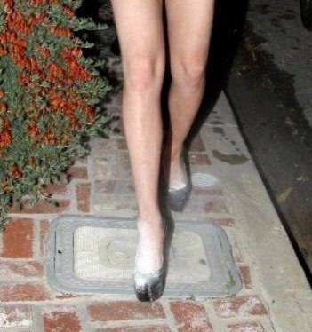 lindsay lohan white powder shoes