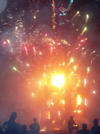 burning man 2010 fire burst