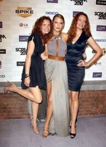 Blake Lively Sisters on Blake Lively And Sisters Scream Awards 2010
