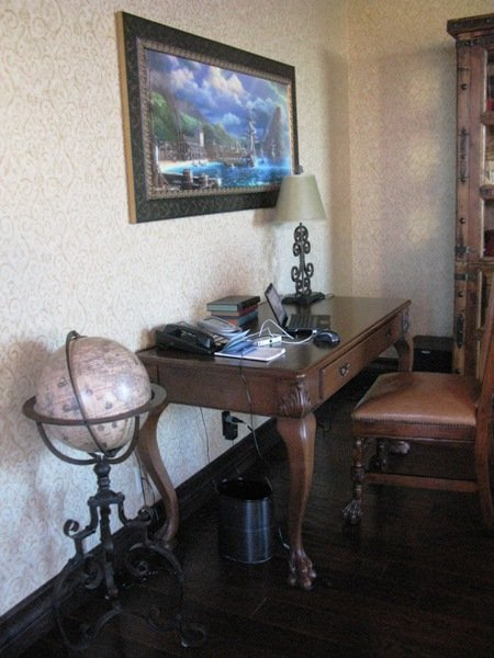disneyland hotel pirates of the caribbean suite desk