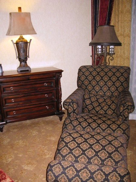 disneyland hotel pirates of the caribbean suite master bedroom lounge chair