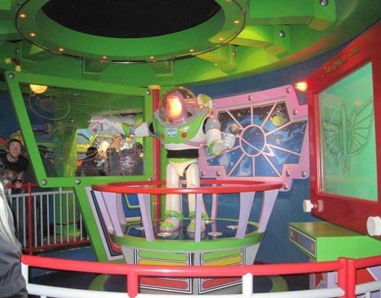 disneyland park buzz lightyear astro blasters interactive ride