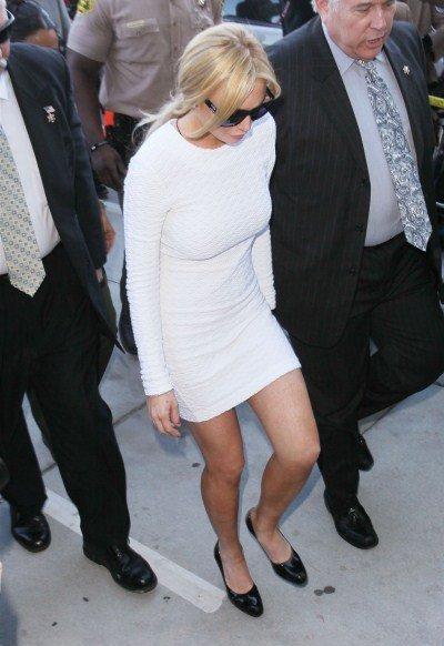 lindsay lohan white dress at court. court dress lindsay lohan