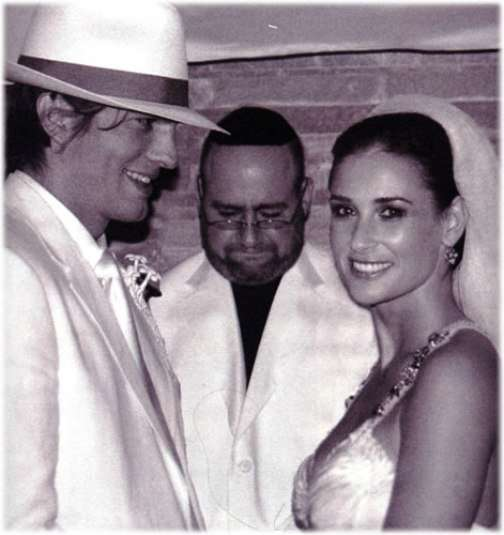 demi moore ashton kutcher wedding pics