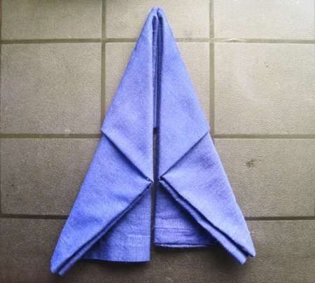 holiday napkin folding elf boot 4