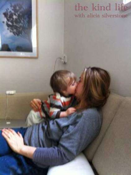 alicia silverstone chews food feeds son from mouth