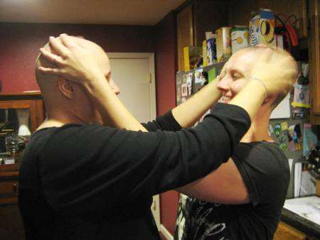 breast_cancer_head_shaving